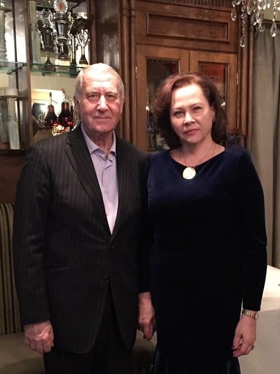 Председатель совета Фонда Рюриков Дмитрий Борисович, генеральный директор фонда - Рюрикова Елена Трофимовна